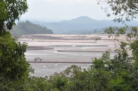 Samarco não paga R$ 2 bi e alega que já gastou o valor com recuperação do Rio Doce