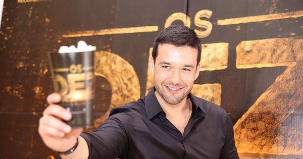 Sérgio Marone participa de evento para divulgação de Os Dez ...