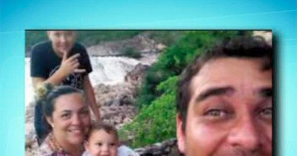 Quatro pessoas da mesma família morrem após carreta tombar na ...