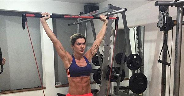 """Mirella Santos exibe barriga e encanta seguidores: """"Corpo sonho ..."""