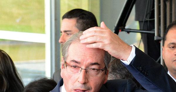 Renúncia de Cunha foi decidida de madrugada em conversa com ...