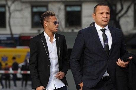 Pai de Neymar revela em depoimento ter proposta