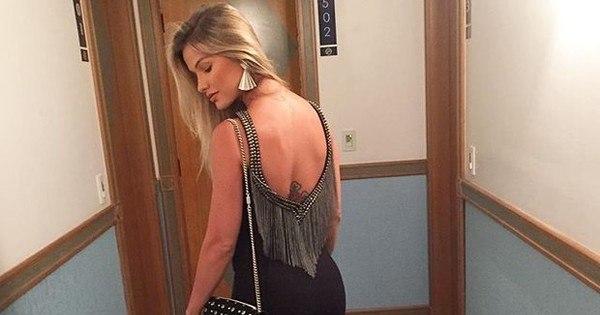 Andressa Suita usa vestido sexy e recebe diversos elogios dos ...