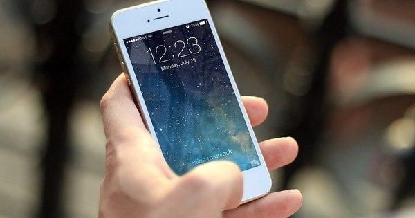 """Bizarro! Donos de iPhone estão recebendo mensagens """"fantasmas ..."""