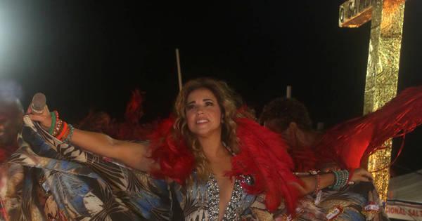 """Daniela Mercury leva show """"A Voz e o Violão"""" para o Teatro Castro ..."""