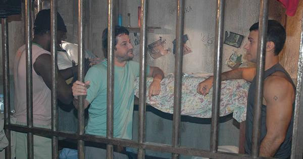 Daniel Avelar briga com Lopo Jr. na prisão. Veja as fotos! - Fotos ...