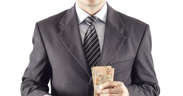 Investidor opta por títulos longos - Notícias - R7 Economia