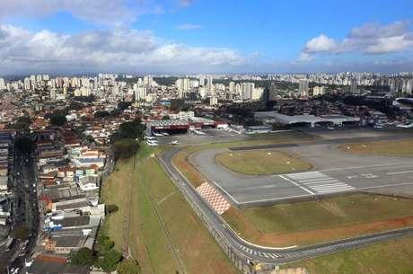 [Brasil] Pane em controle aéreo em SP suspende dezenas voos X6rgxs6k29r_644duz3vjs_file,qdimensions=460x305.pagespeed.ic.5zysspNunm