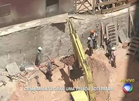 Barranco cai sobre operário em obra na zona norte de São Paulo