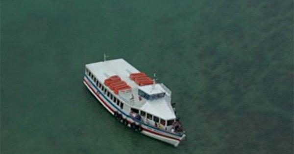 Lancha encalha com cerca de 200 passageiros em Mar Grande ...