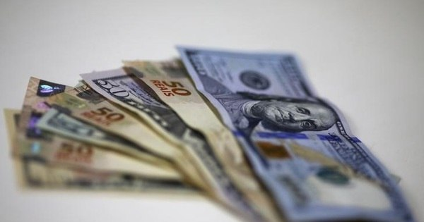 No Financial Times, analistas dizem que dólar deveria ficar em R$ 5 ...