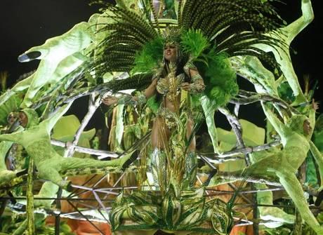 Saiba tudo o que rolou na segunda noite de desfiles do Rio de Janeiro