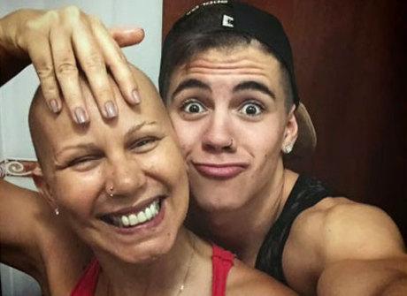 &quot;Não é impossível&quot;, diz Biel sobre<br />a luta da sua mãe contra o câncer