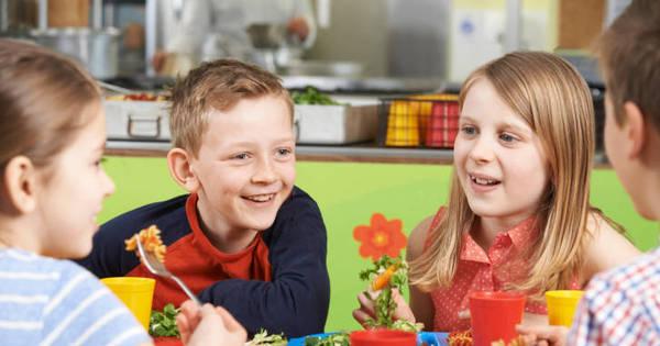Crianças saudáveis! Aprenda dicas para substituir os alimentos ...