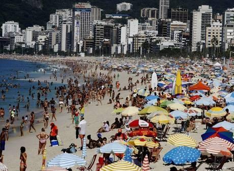 Rio de Janeiro tem sensação térmica de 45,6ºC e praias lotadas