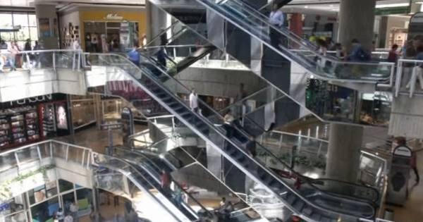 Shoppings fecham em meio a racionamento na Venezuela ...