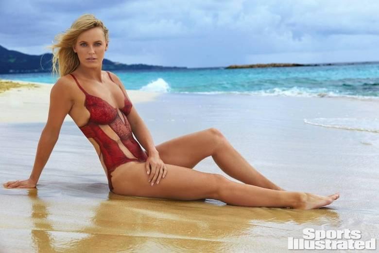A Swimsuit é a edição especial na publicação na qual as atletas posam em trajes de banho