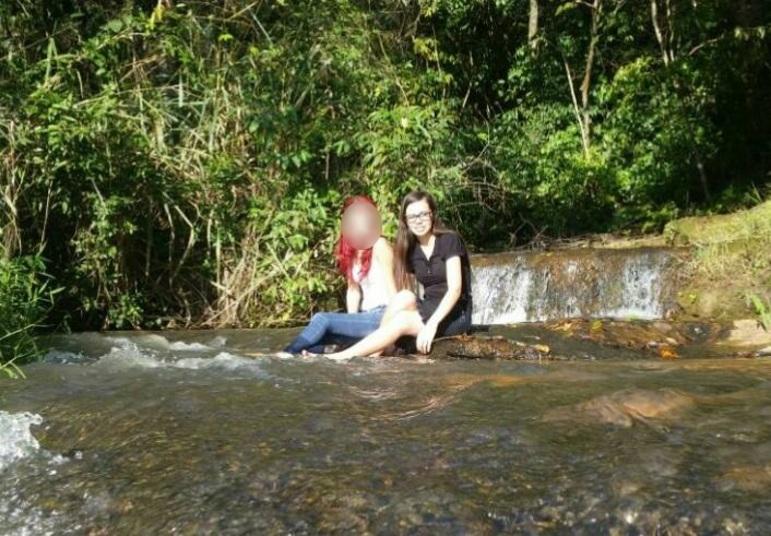 Nos perfis, em uma rede social, era comum pai e filho postarem fotos da cachoeira, no ponto mais alto da lagoa que, segundo os bombeiros, tem 4 metros de profundidadeExperimente: todos os programas da Record na íntegra no R7 Play