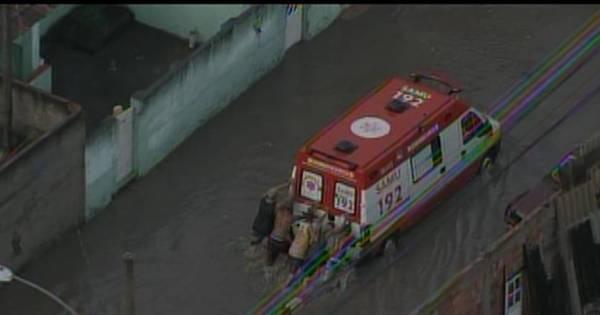 Rio: bairros da zona oeste sofrem com enchentes - Fotos - R7 Rio ...