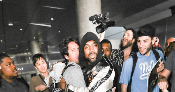 Bizarro! Fotógrafos saem no tapa para conseguir registro de Kanye ...