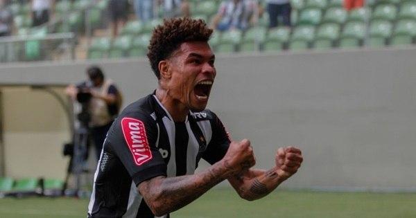Com Robinho na torcida, Atlético-MG goleia Boa Esporte e assume ...