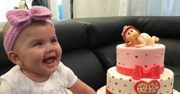 Bella Falconi comemora seis meses da filha com clique apaixonante