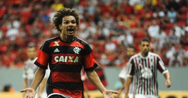 Ex-corintianos dão vitória ao Flamengo contra o Fluminense ...