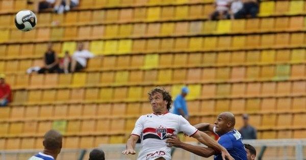'Jogador de condomínio' salva o São Paulo em estreia de Lugano ...