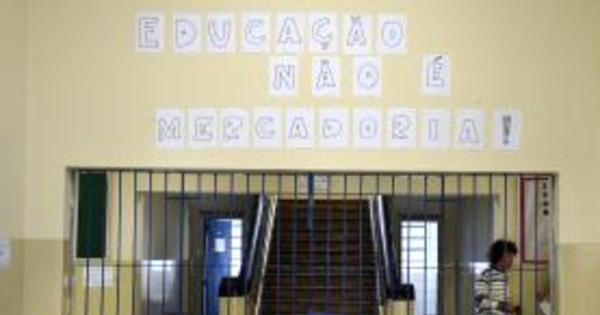 Estudantes desocupam todas as escolas em funcionamento em Goiás
