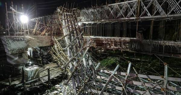 Parte de viaduto desaba em Fortaleza; 2 morrem - Notícias - R7 ...