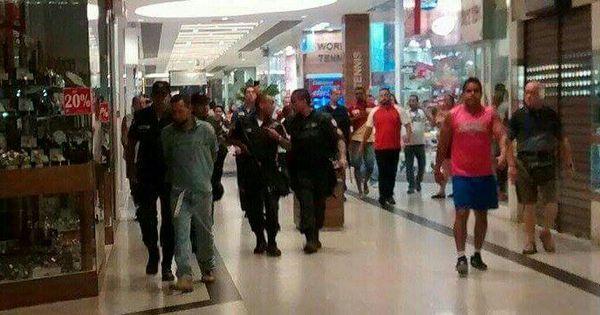 Tentativa de assalto termina em tiroteio e feridos em shopping da ...