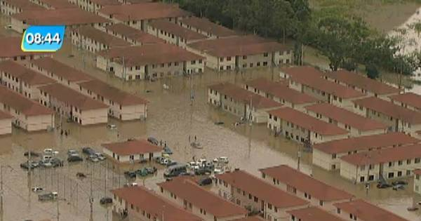 Moradora de condomínio alagado em Maricá relata desespero ...