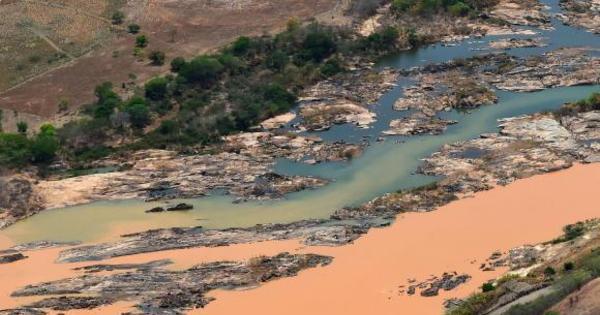 Lama da Samarco faz MPF pedir ampliação da área proibida para ...