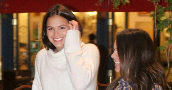 Bruna Marquezine e Fernanda Souza jantam juntas no Rio de Janeiro