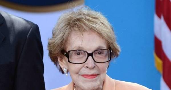 Morre aos 94 anos Nancy Reagan, viúva do ex-presidente dos EUA ...