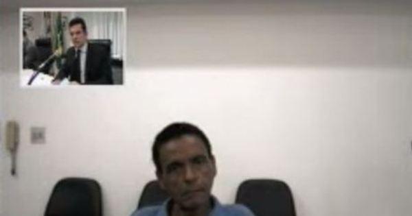 """""""Meus amigos pediram dinheiro da Petrobras"""", brinca capoteiro ..."""