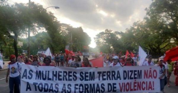 Mulheres de movimentos sociais desocupam sede do Incra em ...