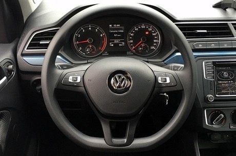 Aceleramos o novo Volkswagen Gol Comfortline 1.0; pacote Connect inclui tela multimídia no ...