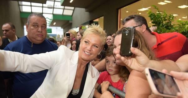 Xuxa lança Casa X em Santa Bárbara d' Oeste e se diverte com fãs ...