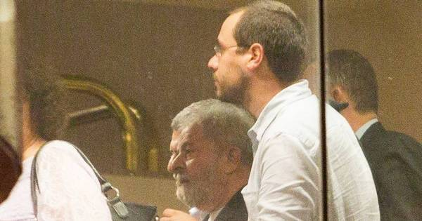 Ministério Público de SP pede prisão preventiva de ex-presidente Lula