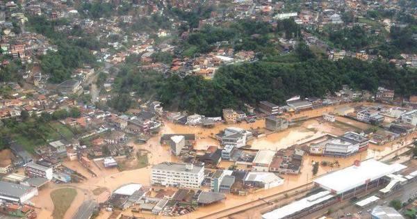 Chuvas deixam pelo menos 18 mortos em todo o Estado de SP ...
