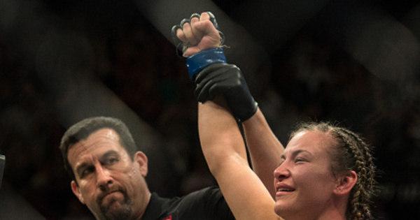 Nova campeã do UFC, Miesha Tate aceita revanche com Holly ...