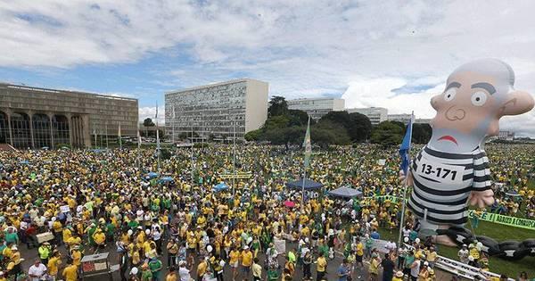 Protesto em Brasília reúne 100 mil pessoas e é o maior dos ...