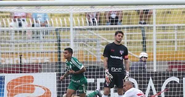 Palmeiras melhora no segundo tempo e vence São Paulo pelo ...