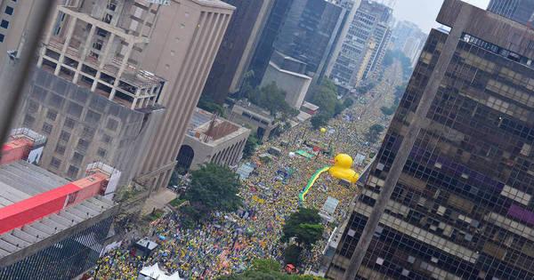 Seis movimentos contra Dilma saem às ruas da capital paulista ...