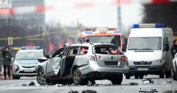 Bomba explode em carro, mata um e gera medo de ataque terrorista ...