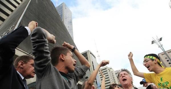 Manifestação na Paulista prejudica o trânsito. Veja desvios ...