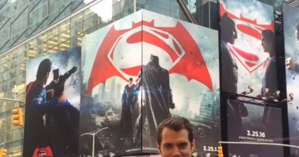 Ator de Superman anda por Nova York sem ser reconhecido para ...