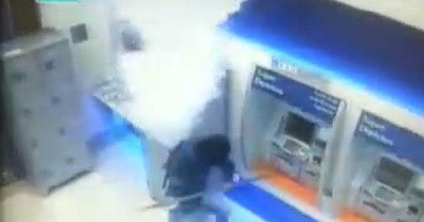 Ladrões de bancos são mortos em troca de tiros com a PM na ...