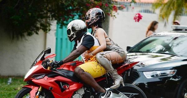Rihanna grava novo clipe na garupa de uma moto - Fotos - R7 Pop